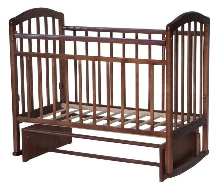 Детская кроватка Антел Алита 3 (маятник поперечный)Алита 3 (маятник поперечный)Детская кроватка Антел Алита-3 (маятник поперечный) Кроватка изготовлена из массива дерева с использованием современных технологий.   Характеристики:   Опускаемая боковая планка. 2 уровня ложа по высоте. Механизм качания: маятник поперечного качания, что особо актуально в первые месяцы жизни крохи. Полимерные накладки на борта. Внутренние размеры под матрас: 120х60см. Внешние размеры: 127х67см.    Материал: массив березы Обработка: лак (под расцветку бук) Размеры спального ложа 120*60 см Изготовитель: Россия.<br>