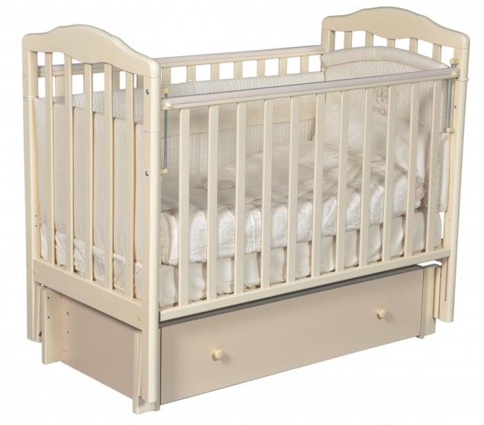 Детская кроватка Антел Алита 6 (маятник продольный)Алита 6 (маятник продольный)Алита 6 - это детская кроватка изготовленная из качественного массива березы и покрытая безвредным лаком, предохраняющим от старения и порчи древесины, что способствует легкому уходу за ней. Кроватка отвечает всем требованиям и стандартам качества и безопасности.  Изготовлена из экологичных материалов. Этой кроватке можно полностью доверить заботу о сне и здоровье вашего ребенка. Кровать выполнена в классическом стиле, поэтому легко вписывается в любой интерьер.  Днище кроватки регулируется по мере роста малыша. Для удобства эксплуатации одна из стенок опускается вниз и возвращается в исходное положение, что позволяет без труда укладывать ваше чадо в постель. С целью хранения постельного белья и детских вещей предлагается выдвижной ящик, размещенный в конструкции кроватки.  Характеристики:  Опускаемая боковина 2 уровня ложа по высоте Механизм качания: маятник продольного качания, что особо актуально в первые месяцы жизни крохи Вместительный закрытый выдвижной ящик для хранения белья и мелочей Внутренние размеры под матрас: 120х60 см Материал: Массив березы Покрыта нетоксичными и безвредными для здоровья детей лаками Деревянный каркас Маятниковый механизм качания Опускающаяся фронтальная стенка, съемная Регулировка высоты днища Защитные силиконовые накладки<br>