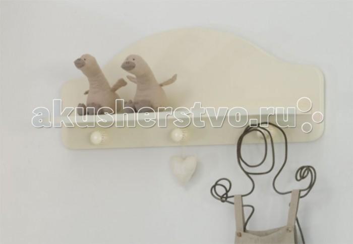 Baby Expert Полка-вешалка AkoyaПолка-вешалка AkoyaПолка-вешалка Baby Expert Akoya отлично впишется в интерьер детской комнаты. На ней можно разместить и детские вещи, и любимые игрушки вашего ребенка.  Основные характеристики: - материал - массив бука, краска на водной основе (гипоаллергенная, нетоксичная) - три декоративных крючка с украшением из настоящего жемчуга - полочка для шапочек и игрушек - размеры (ДхВхГ) 80 см х 40 см х 16 см<br>