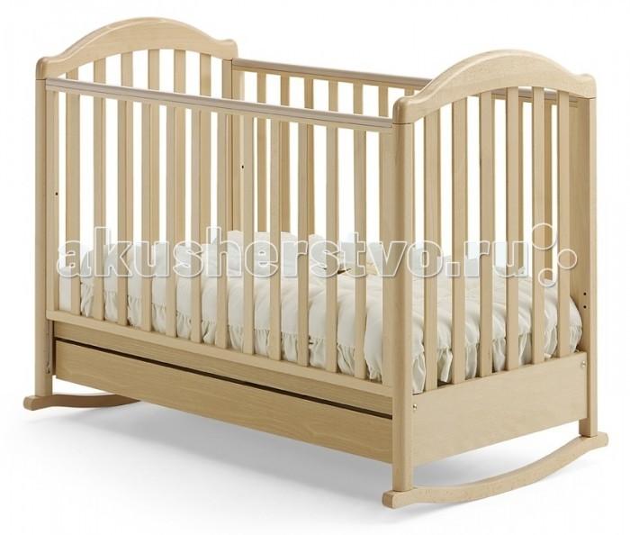 Детская кроватка Baby Italia Euro (качалка)Euro (качалка)Детская кроватка Baby Italia Euro (качалка) классического дизайна с легкостью впишется в любой интерьер. Благодаря прочным материалам и новейшим технологиям производства кроватка превосходно впишется в любой интерьер детской комнаты и прослужит вам долгие годы. Плавные очертания вкупе с отсутствием острых углов в конструкции кроватки уберегут вашего ребенка от ушибов и ссадин. А ручки и ножки не попадут в промежуток между рейками боковин, благодаря продуманному размеру промежутков. Основание не просто сделает сон малыша комфортным, но и поможет в формировании правильного строения позвоночника малыша с самого начала его жизни. Внизу кроватки находится выдвижной ящик для белья. Малыш легко будет засыпать под размеренное качание кроватки, когда же время качаний пройдет, на полозья можно поставить колесики для простого перемещения кроватки.  Основные характеристики кроватки-качалки Baby Italia Euro: изготовлена из массива бука  покрытие  нетоксичный лак  опускающаяся боковая стенка кроватки  силиконовые накладки на боковую стенку  два уровня положения дна  самоцентрирующиеся колесики  колеса с прорезиненным покрытием  Размеры: Размеры спального места (ДхШ) 125х65 см  Размер кроватки (ДхШхВ) 133х70,5х103 см<br>