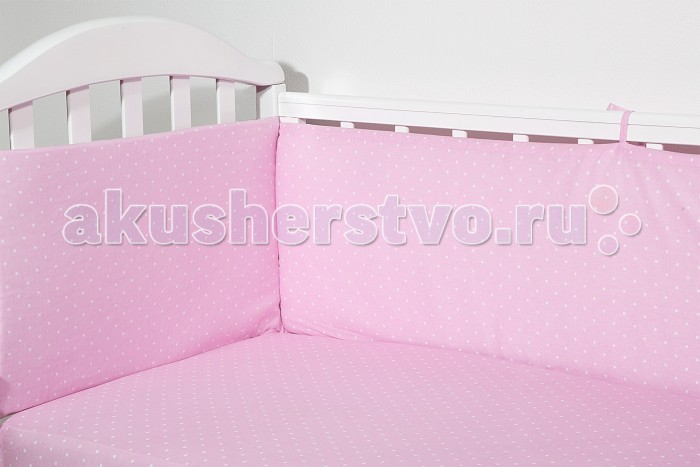 Бампер для кроватки Baby Nice (ОТК) ГорохГорохБампер для кроватки Baby Nice Горох является отличной защитой малыша от сквозняков и ударов при поворотах в кроватке.   Ткань верха: 100% хлопок, наполнитель: экологически чистый нетканый материал для мягкой мебели — периотек.   Дизайны бортов сочетаются с дизайнами постельного белья, так что, можно самостоятельно сделать полный комплект, идеальный для сна.   Борта в кроватку — мягкие удобные долговечные: надежная и эстетичная защита вашего ребенка!   Борт раздельный 120х35-2 шт., 60х35-2 шт.<br>