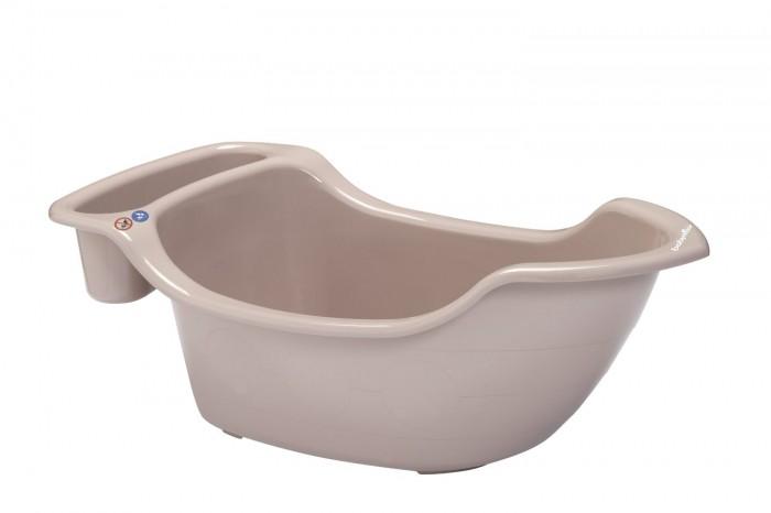 Babymoov Ванночка ЛодочкаВанночка ЛодочкаКупание это так весело! А в удобной ванночке «Лодочка» это еще интересней! Специальная эргономичная форма позволит расположить малыша комфортно, при этом одна сторона ванночки рассчитана на новорожденных, а другая на детей постарше (до 24 месяцев). Тем не менее, эта ванночка помещается в любую обычную ванну, что позволит сэкономить.   Легкодоступный контейнер для хранения игрушек и аксессуаров, позволит быстро сделать игру интересной и разнообразной.  Объем: 35 литров.  Размеры: 93 х 47 х 33 см.<br>