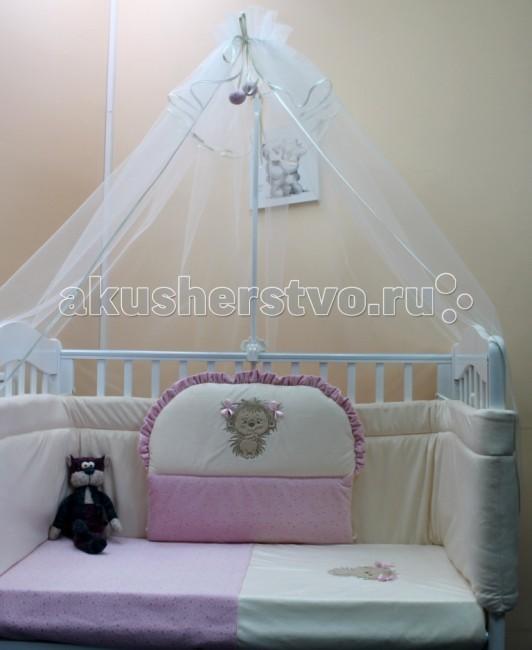 Комплект в кроватку Балу Ежик Васютка (7 предметов)Ежик Васютка (7 предметов)Комплект в кроватку Балу Ежик Васютка состоит из 7 предметов. Красивый дизайн и нежные тона украсят любую комнату. Бампер комплекта наполнен специальным утеплителем для детского белья и одежды - синтепон, который надежно защитит малыша от сквозняков и травм.  Комплект состоит из 7 предметов: борт 4-х сторонний (высота 40 см) (съемные чехлы) балдахин 3 метра (сетка) одеяло (100х140 см) пододеяльник (100х140 см) простынка (110х150 см) наволочка (40х60 см) подушка (40х60 см)   Ткань: бязь, велбоа, вышивка Наполнитель: синтепон, холлкон<br>