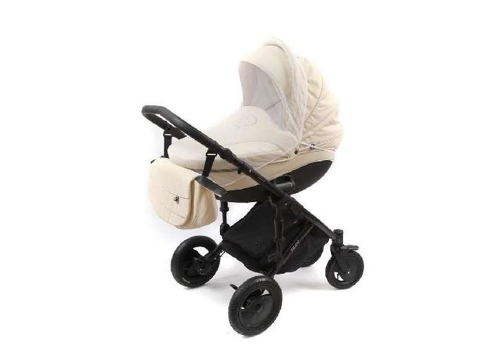 Москитная сетка BamBola КлассикаКлассикаМоскитная сетка для коляски станет приятным дополнением к Вашей коляске, которая надежно защитит Ваших малышей не только от палящего солнца на отдыхе, но и от назойливых насекомых вечером, создавая дополнительный комфорт вашему малышу, а Вам спокойствие!  Особенности: Необходимый аксессуар для колясок  Быстро устанавливается и легко снимается Обеспечивает хорошую видимость<br>
