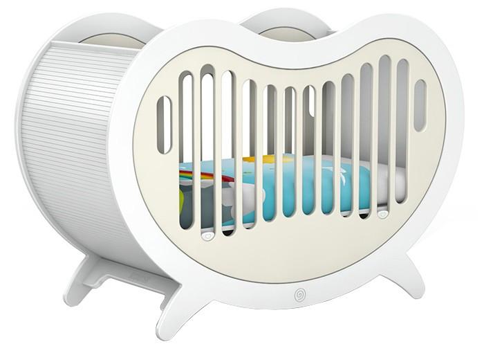 Детская кроватка Beaneasy DreamDreamДетская кроватка Beaneasy Dream. Прочная и устойчивая рама является крепкой и надёжной основой для кроватки, по бокам и снизу установлены панели с отверстиями, что обеспечивает необходимую вентиляцию. Легко регулируемая система поддержки днища на 30 см, позволяет изменять уровень спального места, когда вашему ребёнку исполнится полгода.   Перфорированные боковые панели, как и все цветные элементы мебели Beaneasy, поставляются в девяти цветовых вариантах, вы также можете выбрать свой любимый цвет. Благодаря изменяющейся высоте спального места кроватка Беанэзи Дрим имеет улучшенную эргономику, из-за чего вы меньше напрягаете спину, когда укладываете ребёнка спать.  Особенности: Экологически безопасные и нетоксичные материалы Кровать подходит для детей с рождения до 3 лет Прочная и устойчивая рама обеспечивает надежную и безопасную основу для сна Плавные края кровати и отсутствие острых углов обеспечивают безопасность малышу По бокам и снизу установлены панели с отверстиями, что обеспечивает необходимую вентиляцию Легко регулируемая система поддержки днища на 30 см, позволяет изменять уровень спального места, когда вашему ребёнку исполнится полгода Простая и быстрая сборка, высококачественные мебельные крепления прилагаются Четыре ножки для устойчивости Идеально вписывается в интерьер современной детской комнаты Богатая цветовая гамма позволит подобрать кровать в соответствии с дизайном детской комнаты  Габариты кроватки: 152&#215;64&#215;105 см  Размеры спального места (под матрас): 120&#215;60 см<br>