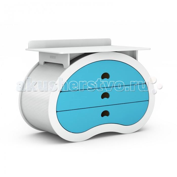 Комод Beaneasy Hug пеленальныйHug пеленальныйКомод Beaneasy Hug предоставляет вам необходимое пространство для смены пелёнок, мытья и переодевания вашего любимого малыша. Благодаря настраиваемой высоте комод имеет улучшенную эргономику, из-за чего вы меньше напрягаете спину во время ухода за вашим ребёнком.   В корпусе комода в форме перевёрнутого боба вы найдёте три ящика большого размера с разделителями. Благодаря им вы можете разложить и хранить всё, что хотите, и даже больше. Система мягкого запирания ящиков обеспечивает безопасность, поэтому исключается возможность повреждения пальцев.  Создавая мебель Beaneasy для вашего малыша, специалисты компании акцентируют внимание на используемых материалах. Все они высокого качества, лаки и краски – нетоксичные, на водной основе и абсолютно безопасны для маленького растущего ребенка. Вся мебель Beaneasy собирается вручную и вы можете быть уверены в ее качестве.  Особенности: Экологически безопасные и нетоксичные материалы Корпус в форме перевернутого боба Прочная, устойчивая конструкция Комод можно настроить по высоте 3 ящика большого размера с разделителями Система мягкого запирания ящиков исключит возможность повреждения пальцев Оригинальные ручки - удобные прорези в ящиках Идеально вписывается в интерьер современной детской комнаты Богатая цветовая гамма позволит подобрать кровать в соответствии с дизайном детской комнаты  Размеры: внешние: 143х64х95/100/105 см пеленального столика: 75х120 см<br>