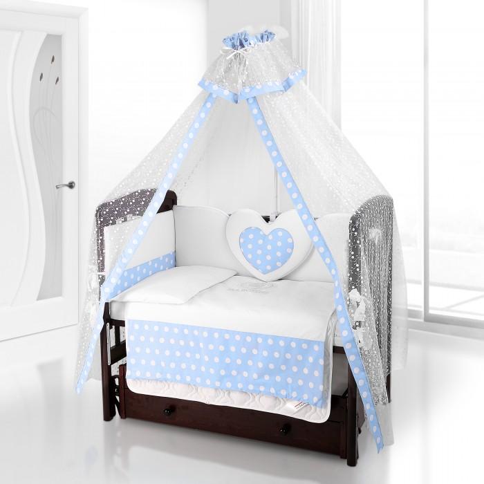Комплект для кроватки Beatrice Bambini Cuore Grande Anello (6 предметов)Cuore Grande Anello (6 предметов)Beatrice Bambini Cuore Grande Anello - это набор постельного белья в детскую кроватку стандартных габаритов. Его мягкая структура тканей и удивительно нежный дизайн придутся по вкусу вам и вашему малышу.  Данный комплект идеально подходит для кроваток с габаритными размерами 120х60 и 125х65 см.  Все материалы, которые использовал итальянский производитель, проходили обязательную проверку по следующим параметрам:  соответствие экологическим и санитарным нормам отсутствие каких-либо аллергенов высокое качество и максимальная натуральность  Стоит отметить оригинальное декорирование данного комплекта постельного белья в виде большого любящего сердца и украшения тканей горохом.   В состав комплекта вошли такие постельные принадлежности как: подушечка правильной ортопедической формы одеяло с инновационным наполнителем, который будет поддерживать оптимальный температурный баланс у крохи наволочка и пододеяльник простынка с резиночками для фиксации съемные бортики, которые уберегут кроху от травматизма<br>