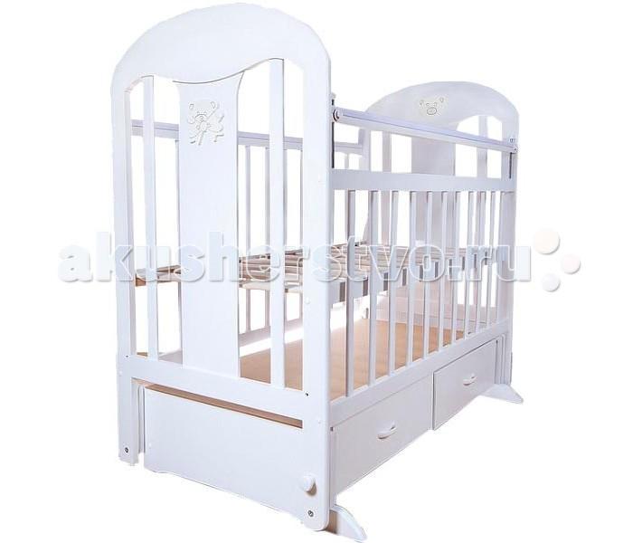 Детская кроватка Briciola - 5 маятник поперечный- 5 маятник поперечныйДетская кроватка Briciola- маятник поперечный  – это изумительное сочетание стиля, удобства и качества. При этом цена на продукцию отечественного бренда приятно радует бюджет экономных родителей. При этом мебель Briciola может конкурировать с более дорогими аналогами и по ряду параметрам им не только не уступает, но и превосходит.  Особенности: Размеры ложа: 120х60 см Мебель производится из натуральной и экологичной древесины, для окрашивания которой использованы только безопасные лаки и краски на водной основе Дизайн Briciola-5 выдержан в современном стиле, смотрится очень мило и уместно, особый шик придает декор на торцевых панелях Ортопедическое ложе на ламелях регулируется по высоте Briciola-5 имеет переднюю автостенку, которая гарантирует комфортный и простой доступ к малышу родителям совершенно разного роста Детская кроватка имеет реечные панели, которые обеспечивают надлежащую вентиляцию спального места Конструкция лишена неоправданных острых углов Briciola-5 имеет 2 больших выдвижных ящика, которые расположены у основания. Надежные направляющие и удобные ручки позволяют сделать использование ящиков еще более комфортным<br>