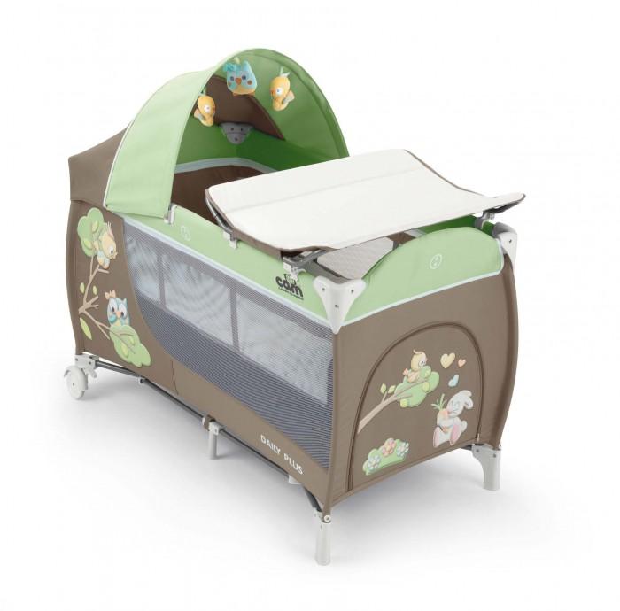 Манеж CAM Daily PlusDaily PlusУдобный двухуровневый манеж-кровать. Снабжен 2-мя колесиками со стопорами, есть боковой кармашек. При транспортировке манеж складывается в сумку таким образом, что колеса остаются снаружи, - это, несомненно, облегчает процесс перевозки. Подходит для детей от 0 до 36 месяцев.  Размеры в разложенном виде (дхшхв): 127 х 66 х 109 см Размеры в сложенном состоянии(дхшхв): 75 см х 18 см х 18 см Вес: 14 кг  В комплект входит пеленальная доска с надежным креплением, капор с игрушками, москитная сетка, сумка для перевозки.<br>