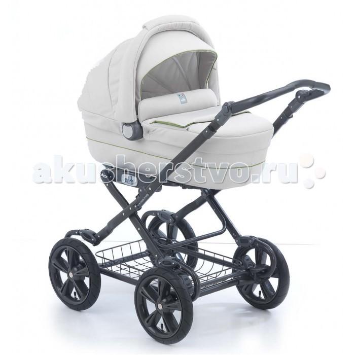 Коляска-люлька CAM Linea SportLinea SportОчаровательная и надежная коляска CAM Linea на шасси Sport прекрасно подойдет для детей возрастом до 9 месяцев. Коляска сделана в Италии.  Характеристики:   - регулируемая спинка, матрасик, дизайн люльки предусматривает вставки из искусственной кожи;  - капюшон с москитной сеткой, вентилируемое основание с функцией качания,  сумка с пеленальным матрасиком.  - алюминиевые шасси с регулируемой ручкой,  - надувные колеса, централизованный тормоз,  - мягкие амортизаторы,  - корзина для покупок.  - обивка легко снимается и стирается при температуре 30°C.  - компактное складывание.  Размер и вес:  Шасси / в сложенном виде: Д 61 – Ш 84 - В 36 см  • Вес: кг 10,5 С люлькой: Д 61 - Ш 107 - В 122 cm  • Вес: кг 15,1 Люлька / внутренние размеры: Д 80 – Ш 37,5 – В 66&#247;31,5 cm  • Вес: кг 4,6  Особенности: - 4-х колесная,  - надувные колеса,  - ткань + неопрен комплектация:  - шасси,  - зимняя люлька,  - сумка;<br>