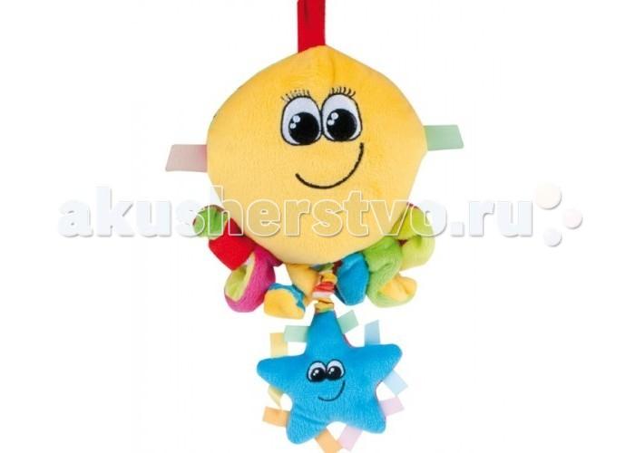 Подвесная игрушка Canpol Цветной океан (musical box)Цветной океан (musical box)Музыкальная игрушка мягкая 68/014 Canpol babies - это подвеска из серии Цветной океан. Поставляется в трех вариантах: рыбка, краб или осьминог. Сочные цвета привлекают внимание малыша.   Нижняя подвеска издает крякающий звук, а если за нее потянуть и отпустить, то происходит настоящее чудо - начинает играть музыка.   Малыш будет повторять это снова и снова, развивая координацию движений и мышцы.  Игрушку можно крепить на коляску или кроватку.   Вся продукция Canpol babies изготавливается из высококачественных материалов и отвечает высоким европейским стандартам качества, безопасности.<br>