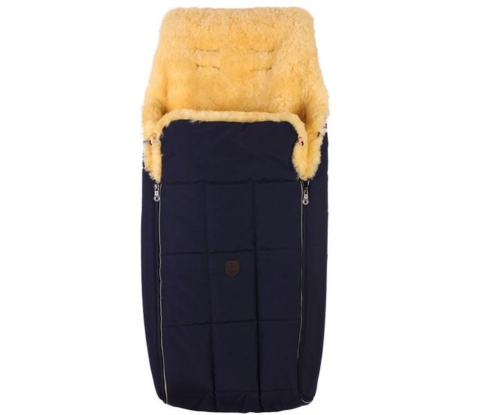 Зимний конверт Christ DavosDavosМодель Davos имеет двухстороннюю молнию, что позволяет разделить верхнюю и нижнюю части конверта. Обе части могут использоваться отдельно для различных целей, например на столе для пеленания вашего ребенка, просто как подстилку при недомоганиях, как простыню или вкладыш для детской коляски. Откидные полы из овечьей шерсти можно застегнуть на пуговицы, и вашему ребенку не будут страшны никакие сквозняки. Верхнюю и нижнюю части можно использовать как подстилку. Конверты поставляются с разрезами на задней части для ремней безопасности.Babysweet - это натуральная овчина от Christ. Великолепно выделанные шкуры животных используют для производства детских меховых конвертов, покрывал для застилания кроваток или колясок, а так же, ковриков для ног. Используя все эти разнообразные изделия, Вы почувствуете, что овчина Babysweet дарит Вам и Вашему ребенку любовь и чувство безопасности.Исследования показали, что новорожденные, которые лежат на овчинном мехе, лучше развиваются и быстрее набирают вес. Так же было доказано, что овчина оказывает успокаивающее и расслабляющее воздействие на малыша и способствует более быстрому засыпанию. Материал: Натуральная овчина  Можно стирать в стиральной машине на режиме шерсть. 10 прорезей для 3-х и 5-ти точечных ремней Размер верхней отстегиваемой части (Д&#215;Ш)80 &#215; 36 см Размеры в собранном виде (Д&#215;Ш) 95 х 50 см Размеры в разложенном виде (Д&#215;Ш)100 х 65 см Рекомендованная температура для прогулок до -25 °С<br>