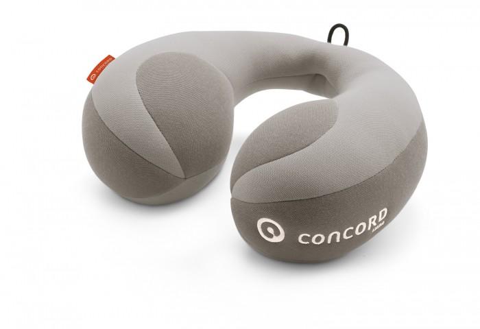 Concord Подушка под шею Roll LunaПодушка под шею Roll LunaПодушка под шею Concord Roll Luna создаст для вашего маленького пассажира еще больший комфорт и безопасность. Подушка выполнена из мягкого материала, в меру жесткая. Очень хорошо поддерживает шею, что делает езду еще более безопасной.  Мягкий валик под шею Concord Roll обеспечит здоровое пребывание в объятиях Морфея, пока мама выруливает на новую автостраду. Он набит гипоаллергенным синтепоном, обладающим функцией памяти и поддерживающим головку во время сна.   Размеры упаковки 21 х 4,6 х 27 см  Вес 0.4 кг<br>