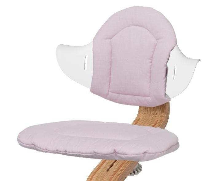 Evomove Чехол для стульчика NomiЧехол для стульчика NomiЧехол для стульчика Nomi позволяет сделать пребывание на стуле более комфортным.  Мягкие чехлы для детского стульчика Nomi, чтобы Вашему ребенку было еще удобнее.  Двусторонние мягкие чехлы с разными принтами с каждой стороны. Позволяют с легкостью поменять внешний вид Вашего стула и Ваше настроение.  Удобно снимать и надевать.  Легкость в уходе. Машинная стирка.  Состоит из чехла на спинку и на сидение стула.  Состав: 100% хлопок<br>