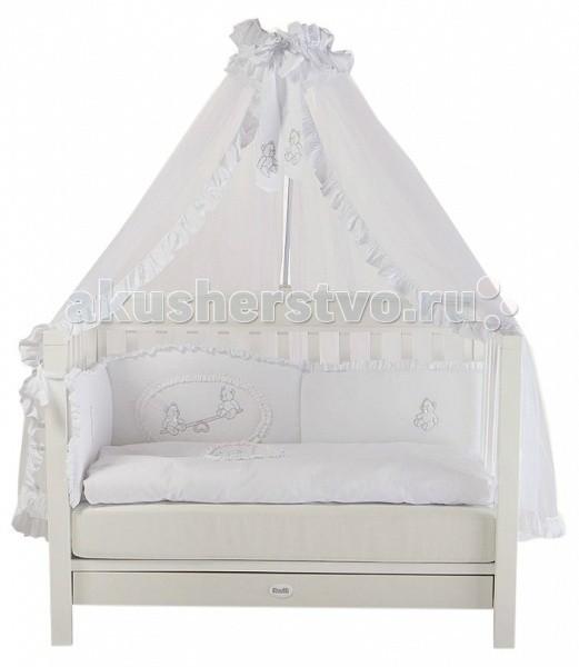 Детская кроватка Feretti VanityVanityДетская кровать Feretti Vanity обладает элегантным сдержанным дизайном, который при этом смотрится достойно и презентабельно. Конструкция изготовлена из массива бука – элитной породы древесины. А для ее окрашивания использовались только безопасные лаки и краски на водной основе. Кроватка в классическом стиле с опцией трансформации в диванчик. Vanity это солидная и богатая коллекция стильной мебели, созданная для самых комфортабельных помещений.  Характеристики: изготовлена из массива бука для окрашивания и декорирования применяются исключительно безопасные лаки и краски натуральной пигментации без токсичных примесей кроватка подходит детям от самого рождения до 5-7 лет соответствует всем европейским и российским стандартам идеально вписывается в интерьер современной детской передняя стенка снимается трансформируется в диванчик два уровня ложа по высоте отсутствуют острые углы ложе — ортопедическое съёмные, самоцентрирующиеся колеса, снабжены 2 тормозами просторный, выдвижной ящик для белья в основании кровати с пластиковыми направляющими  Размер спального места (д х ш): 125 х 65 см.<br>