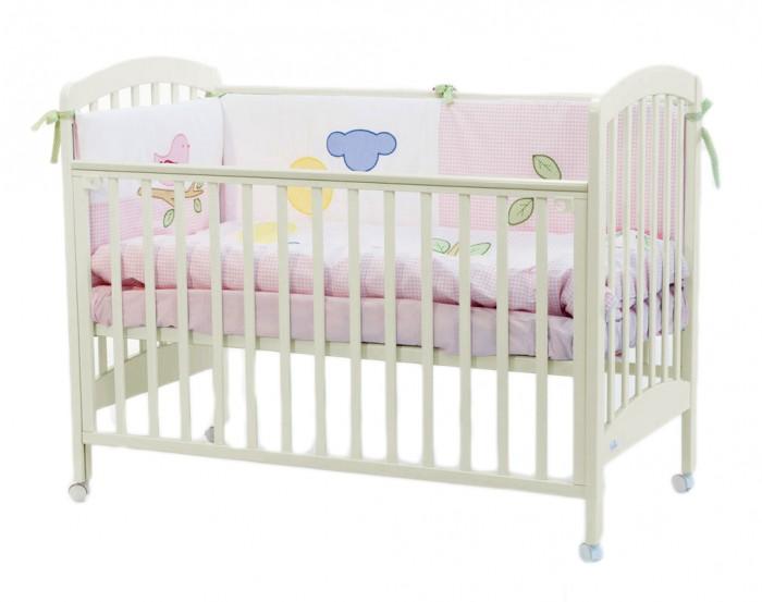 Детская кроватка Fiorellino Dalmatina 120х60Dalmatina 120х60Детская кроватка Fiorellino Dalmatina 120х60 изготовлена из высококачественных альпийских буков, что растут в самом экологически чистом районе планеты.   Правильная обработка древесины, которая затем пойдет на изготовление мебели Fiorellino, является залогом идеального качества. Чтобы кроватка была такой же кристально чистой и экологичной, ее покрывают нетоксичными лаками и краской. Ведь самое главное чтобы спальное ложе малыша было безвредным.   Помимо отличного качества материалов, кроватка является идеальной по своим функциональным свойствам.  Современная, функциональная, идеальная кроватка станет украшением вашей детской.  Особенности: материал: натуральный бук;  бортик можно опустить или полностью снять – кровать превращается в диванчик;  ложе регулируется по высоте: 3 позиции;  колёсики со стопором позволяют легко перемещать кроватку по комнате и фиксировать в выбранном месте;  нетоксичные лаки и краски.<br>