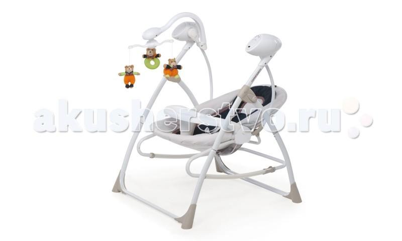 Качели электронные Foppapedretti CarillonCarillonКачели электронные Foppapedretti Carillon – изделие, идеально подходящее для малыша с рождения. Качели послужат отличным местом для отдыха и игр ребенка. Качели оснащены электронным блоком, с помощью которого вы можете включить малышу мобиль с игрушками, мелодии, отрегулировав необходимую громкость, а также установить скорость качания.   Столик при необходимости снимается. Наклон сиденья изменяется в нескольких положения. При этом сиденье можно снять и использовать автономно в качестве шезлонга. В комплект входит пульт дистанционного управления, позволяющий управлять скоростью укачивания и переключение мелодий на расстоянии.  Съемное, удобное сиденье, регулируемый наклон спинки Надежные ремни безопасности  Съемный столик  Музыкальные мелодии, регулировка громкости, несколько скоростей укачивания Дистанционный пульт управления  Питание от сети или аккумулятора Съемный, вращающийся мобиль, с 3-мя подвесными мягкими игрушками Сиденье можно снять и использовать автономно в качестве шезлонга/кресла-качалки. Система блокировки/разблокировки качания  Материалы: рама – металл; сиденье – пластик; обивка – ткань; чехол можно стирать в стиральной машине  Качели в разложенном виде 74.5х67х94.5 см Вес качелей 7.5 кг<br>