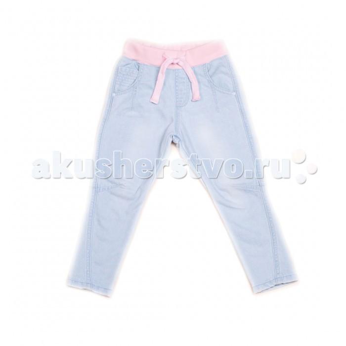 Free Age Брюки джинсовые ZG 10233Брюки джинсовые ZG 10233Удобные джинсовые штанишки для девочек имеют особенности: изготовлена из безопасных материалов и имеет необходимые сертификаты качества скроена с учётом всех важных особенностей строения детской фигуры, а потому обеспечивает исключительный комфорт не требует сложного ухода отличается дизайном, который определённо понравится мальчику  Пусть каждый день приносит радость!  Состав: 100% хлопок. Уход: ручная или машинная стирка при температуре не более 40 °С.  Free Age –  российский производитель детской одежды для детей в возрасте от 4  до 12 лет. Одежда марки Free Age – это повседневная, удобная одежда в стиле casual. В основе коллекций лежат базовые вещи, которые просты по конструкциям, всегда востребованы и хорошо сочетаются как между собой, так и с модными элементами.  Коллекции Free Age разрабатываются ведущими дизайнерами Санкт-Петербурга. При этом учитывают все тенденции мировой моды и особые требования, предъявляемые именно к детской одежде: гигиеничность, носкость, удобство эксплуатации, комбинированность. Вся одежда ТМ Free Age изготавливается из высококлассного хлопка на фабрике в Узбекистане.<br>