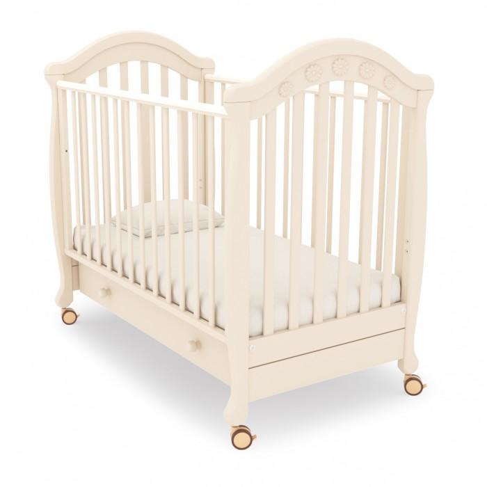 Детская кроватка Гандылян ДжозеппеДжозеппеПрактичная и удобная детская кроватка Джозеппе станет украшением любого интерьера, подарит малышу здоровый и крепкий сон и будет незаменимым помощником в ежедневном уходе за ребенком.  Характеристики:  Колеса для удобства перемещения (съемные, с возможностью фиксации) Выдвижной ящик для белья Аппликация со стразами Древесина обработана экологически чистым лаком Отсутствуют острые углы (есть силиконовые накладки) Боковое ограждение оснащено замком и регулировкой высоты Два уровня ложа по высоте Материал — БУК Внутренний размер ложа 120х60 см<br>
