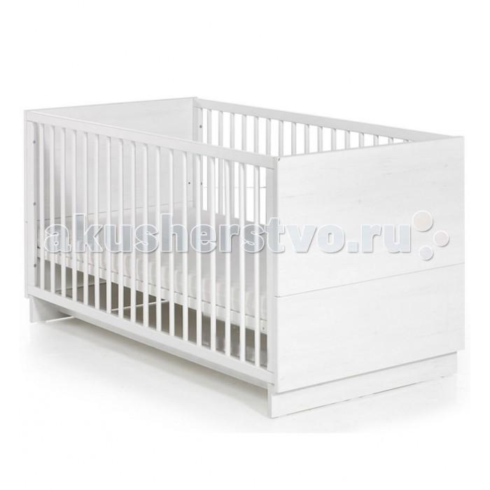 Детская кроватка Geuther SolSolДетская кроватка Geuther Sol  Кроватка от немецких производителей Sol со съемными бортами станет ключевым элементом любой детской.   Строгий и лаконичный дизайн в сочетании с прочностью и надежностью обеспечивает детской кровати данной коллекции абсолютное признание ценителей комфорта и практичности.  Благодаря трансформирующейся конструкции, кроватка подойдет как новорожденным, так и дошкольникам. Весь секрет в том, что она меняется параллельно с взрослением вашего ребенка: когда малыш подрастет, бортики можно легко снять, и его любимая колыбель превратиться в низкую удобную кровать — почти такую, как у взрослых.   Кроватка Sol является продуктом высокого качества, как и все продукты компании Geuther.  Отличительные особенности:  Подходит детям с самого рождения Устойчивая конструкция Оптимальные размеры спального места: 70 x 140 см Не имеет острых углов Легко трансформируется: решетчатые бортики быстро снимаются, и кровать превращается из детской в подростковую  Балдахин продается отдельно Быстро и легко собирается<br>