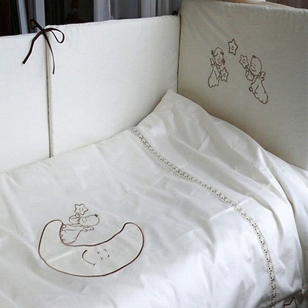 Постельное белье Makkaroni Kids Сказка маленького принца универсальное (3 предмета)Сказка маленького принца универсальное (3 предмета)Для производства используются только высококачественные материалы: натуральный сатин (100 % хлопок), шитье ручной работы, гипоаллергенные, дышащие наполнители.  Комплектация: Пододеяльник - 112х147 см Наволочка - 40х60 см Простыня на резинке  Подходит для кроваток 120х60 см и 125х65 см<br>