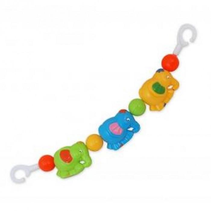 Baby Mix Погремушка на коляску СлоникиПогремушка на коляску СлоникиКрасочная погремушка Baby Mix Слоники крепится на коляску, с ней прогулка станет ещё интереснее.  Особенности: Эта простая, но в то же время красочная погремушка станет необходимым атрибутом во время ежедневных прогулок.  Она с лёгкостью крепится на коляске, а если малыш захочет поиграть с ней дома, то мама может без труда повесить её на кроватку. Погремушка яркая и красочная, разнообразие форм игрушки развеселят даже самого капризного ребёнка. Лёгкая погремушка изготовлена из высококачественных материалов. Яркие и разнообразные цвета погремушки будут способствовать развитию у ребёнка зрительного восприятия.   Благодаря тому, что все игровые элементы погремушки подвижные, это поможет ему развивать навык слежения за движущимся объектом.  Погремушка на коляску крепится на коляску. Ребёнок будет учиться хватать и держать игровые элементы, тренировать мышцы руки. Во время игры малыш будет вертеть, крутить, щупать погремушку. Все эти действия будут стимулировать развитие тактильного восприятия.<br>