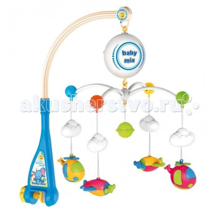 Мобиль Baby Mix ВертолетыВертолетыМобиль Вертолеты - это яркая музыкальная каруселька на кроватку, с которой малыш никогда не будет скучать. Симпатичные игрушки, медленное вращение игрушек, приятная музыка - вот отличительные черты этой игрушки.  Особенности: музыкальное сопровождение карусельки ребенок учится следить за подвесными игрушками у малыша активно и в максимально естественной форме развивается зрение кроха получает представление о пространственном положении предметов музыкальное сопровождение развивает слух ребенка разно-фактурные элементы помогут развить мелкую моторику и сенсорику<br>