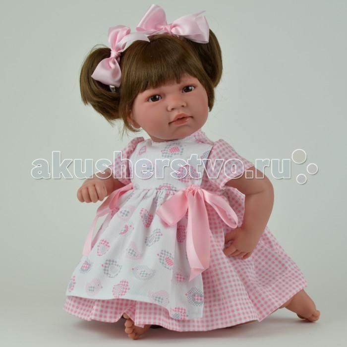 ASI Кукла Нора 50 см 352990Кукла Нора 50 см 352990Кукла, размер 50 см, тело мягконабивное, голова, руки и ноги из винила, темные волосы собраны в два хвостика, в нарядном розовом платье, в красивой подарочной коробке.<br>