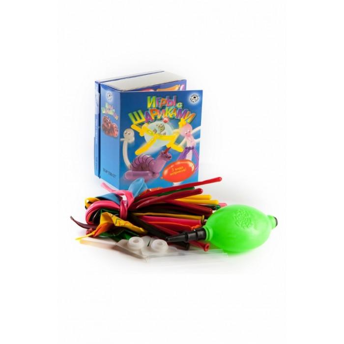 Мини-маэстро Игры с шарикамиИгры с шарикамиМини-маэстро Игры с шариками. Сделать из воздушного шарика ракету, превратить его в летающую тарелку и в маленькое привидение, а также получить полезные советы о том, как лучше испугать таким привидением гостей на вечеринке, и многое другое — вот что сможет счастливый обладатель этого комплекта. Шарики, которые летают, пищат, превращаются в самые неожиданные вещи. Под крышкой вы найдете самые разные шарики, а также специальные приспособления для того, чтобы придать им объем и звук. Но самое важное — книжка-инструкция, следуя которой вы сможете превратить заготовки в полноценные творения развлекательного жанра.   В комплекте: книга + 15 разноцветных шариков для моделирования, 8 необычных шаров, мини-насос.<br>