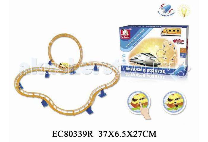 S+S Toys Трек Виражи в воздухе  EC80339RТрек Виражи в воздухе  EC80339RТрек Виражи в воздухе EC80339R со светом и звуком, на батарейках. Этот игровой конструктор, состоящий из сборных элементов трека и пассажирского локомотива позволит проявить фантазию вашего ребенка. Настенное крепление трека привнесет в игру элемент неожиданности.  Локомотив работает на батарейках.<br>