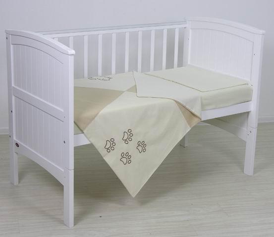 Постельное белье Fairy хлопок (3 предмета)хлопок (3 предмета)Нежный комплект постельного белья в кроватку Fairy хлопок из 3 предметов станет настоящим украшением любой детской и подарит малышу много сладких снов.   Бельё полностью безопасно и гипоаллергенно.  Белье выполнено из 100% хлопка.  Комплектация: Наволочка: 40х60 см Простыня: 100х160 см Пододеяльник: 110х140 см<br>