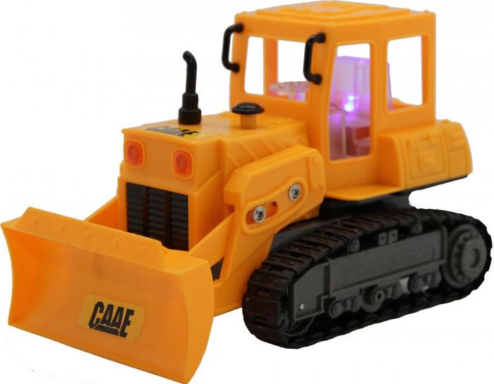 Balbi Трактор м. 1:36 RCM-7104Трактор м. 1:36 RCM-7104Balbi Трактор м. 1:36 RCM-7104 уменьшенная копия строительной техники, с которой вашему сынишке будет интересно играть каждый день. Разработчики встроили в модель все основные функции бульдозера. Он может ездить вперед, назад, влево и вправо, а также поднимать и опускать ковш с грузом, рыть и копать.  Основные характеристики: масштаб 1:36, 4 канала, 27МГц, движение вперед/назад/вправо/влево подъем и опускание ковша при движении горят габаритные огни материал корпуса пластик с элементами из металла, встроенный мотор постоянного тока, работает от аккумулятора 4,8В, зарядное устройство в комплекте пульт ДУ работает от 2х батареек тип АА.<br>