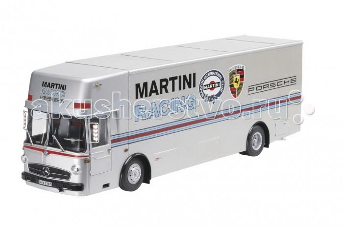Schuco Автомобиль MARTINI racing transporter 1:18Автомобиль MARTINI racing transporter 1:18Автомобиль MARTINI racing transporter 1:18, 1/1 450032100  Коллекционная модель автомобиля Martini racing transporter от немецкого обладателя бренда Schuco, сделана специально для коллекционирования. Выпущена ограниченным тиражом. Игрушка тщательно детализирована как снаружи, так и внутри салона. Аккуратно обработана. Выполнена из металла с пластиковыми дополнениями и прорезиненными колёсами.<br>