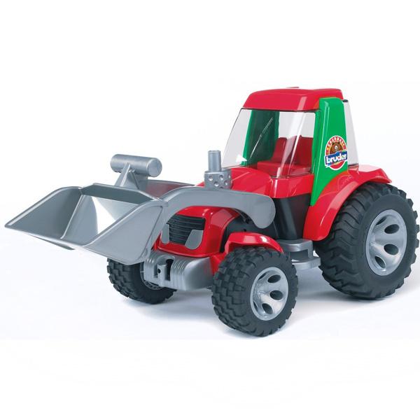 Bruder Трактор-погрузчик RoadmaxТрактор-погрузчик RoadmaxТрактор Roadmax Bruder создан для веселых игр в песочнице - поднимающийся ковш поможет вырыть яму или разровнять дорогу, а резиновые колеса никогда не увязнут в песке. На переднем и заднем бампере трактора расположены крюки, к которым можно прикрепить прицеп или тросик для буксировки. Выполненная из яркого и прочного пластика, игрушка не содержит мелких деталей.   Размер: 18x38x20 см.<br>