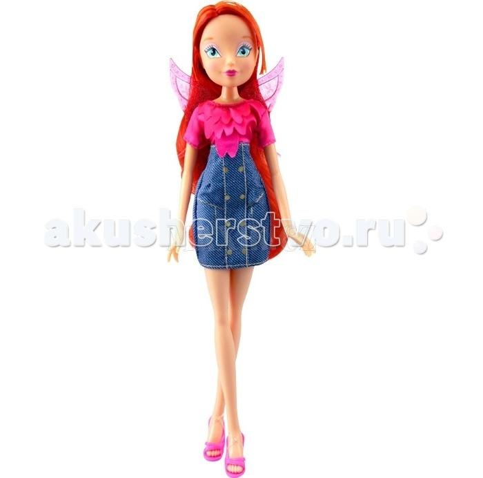 Winx Club Кукла Деним Блум 27 смКукла Деним Блум 27 смWinx Club Кукла Деним Блум идеальные игрушки для детей от 3 лет.  Особенности: Куколка-модница Винкс может снимать свои крылышки, а также феечка сможет носить разные наряды, так как ее одежда снимается.  Куклу можно расчесывать, а ручки - двигать, ведь если рядом проходят подружки-модницы, им обязательно нужно приветственно помахать рукой.  Элегантные джинсовые сарафаны, неподражаемые босоножки и шелковые блузы героинь мультипликационного сериала Winx Club удивят маленькую принцессу.  Куклы выполнены в точности повторяя внешность персонажей, поэтому любительницам этого мультика будет приятно получить такой подарок.  Высота куклы: 27 см<br>