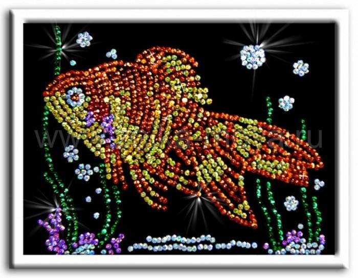 Волшебная мастерская Мозаика из пайеток Золотая рыбкаМозаика из пайеток Золотая рыбкаВолшебная мастерская Мозаика из пайеток Золотая рыбка  Набор для творчества «Мозаика из пайеток» - это несложная, но оригинальная поделка, процесс создания которой стимулирует многие важные для ребенка качества и навыки. Основа мозаики изготовлена из пенопласта. К ней требуется пришпиливать разноцветные пайетки при помощи специальных гвоздиков. Полученная картина украсит ваш интерьер, в комплекте есть рамка. Этот набор позволит создать симпатичное блестящее изображение золотая рыбка.  Комплект: планшет из пенопласта  цветной фон с точечным рисунком  схема с номерами и указанием цветовой гаммы  пайетки разных цветов соответственно картине  гвоздики-булавки для накалывания пайеток  рамка из пенопласта для оформления картины  инструкция.<br>