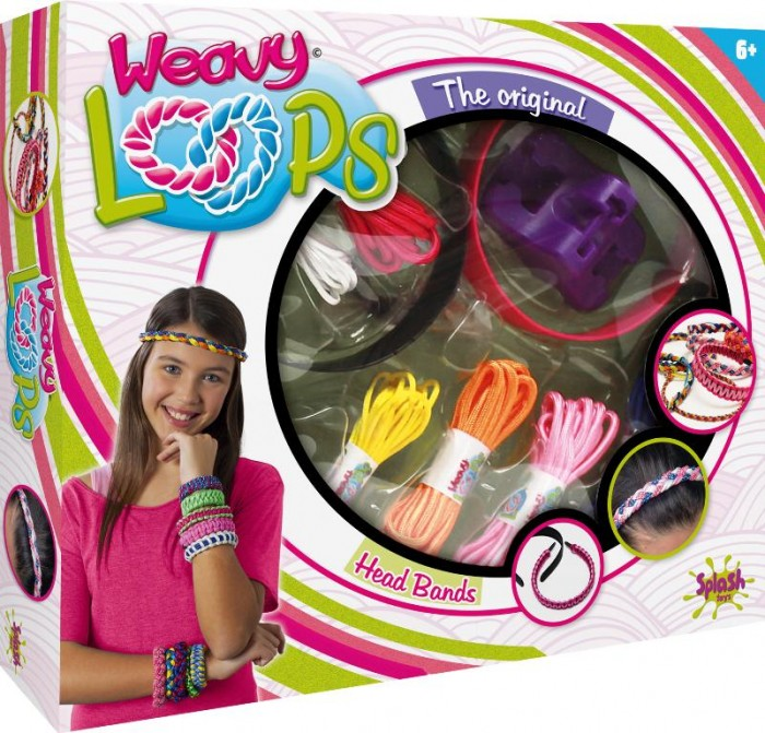 Splash Toys Набор для плетения ободков и браслетовНабор для плетения ободков и браслетовНабор для плетения ободков и браслетов.  Картонная коробка с окошком из прозрачного пластика.  Содержит несколько моточков шнурков и приспособление для плетения.<br>