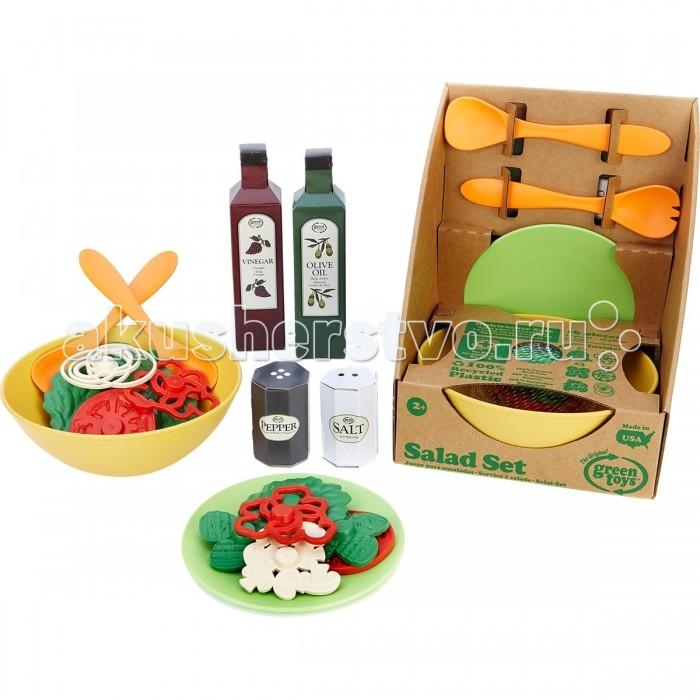 Green Toys Набор для салатаНабор для салатаGreen Toys Набор для салата обязательно понравится вашей малышке и займет ее внимание надолго.  Особенности: Все игрушки Green Toys производятся только в США, в Калифорнии, на фабриках, принадлежащих компании.  Компания выпускает свои игрушки только из переработанных материалов.  Все игрушки сделаны из переработанного пластика, а упаковочные картонные коробки, сделаны из переработанной бумаги.  В комплекте: миска,  тарелка,  2 вилки,  2 ложки,  3 салатных листа,  3 огурца,  2 красных перца,  2 помидора,  лук,  грибы<br>