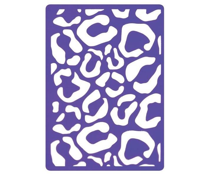 Fancy Creative Трафарет для тиснения Леопард пластик A6Трафарет для тиснения Леопард пластик A6Fancy Creative Трафарет для тиснения Леопард пластик A6  Пластиковый трафарет Леопард для контурного тиснения бумаги (эмбоссинга). Используется при оформлении открыток, альбомов, блокнотов в технике скрапбукинг.   Для выполнения тиснения разместите поверх трафарета лист бумаги - лицевой стороной вниз (если бумага плотная, продумайте подсветку снизу) Специальным инструментом с наконечником в форме шарика обводите контуры трафарета, продавливая бумагу и не штрихуя пространство внутри контура Вы получите изысканный рельефный орнамент Чем больше раз вы проведете по контуру, тем более выпуклым будет рисунок.   Стилус для тиснения в комплект не входит. Формат: A6<br>