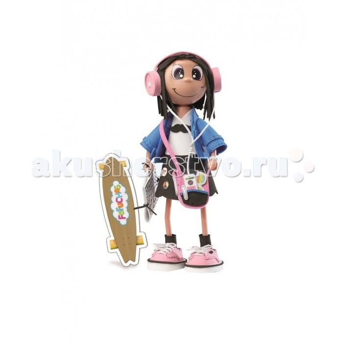 Educa Фофуча Эмма набор для творчества в виде куклыФофуча Эмма набор для творчества в виде куклыФофуча Эмма набор для творчества в виде куклы.  Слово Фофуча пришло из Бразилии и означает «милая и симпатичная», так же называются и эти привлекательные куколки с длинными ногами и круглыми головами. Каждая Fofucha (Фофуча) так же уникальна, как и человек, её создавший.   Набор для творчества детская игрушка в виде куклы в разобранном виде, в комплект входит: сборное пластиковое тело, бархатная бумага разных цветов, двухсторонний скотч, схемы, картонные детали, самоклеящиеся глаза и рот, инструкция.   Состав: картон, бумага, пластик, этилен винил ацетат, полимерный материал. Игрушка предназначена для детей от 6 лет. Отделите части тела куклы от сетки.   Вырежьте обведённые деталии. Используйте достаточное количество двустороннего скотча, чтобы детали лучше держались. Придайте деталям нужную форму вручную, или с помощью каких-либо цилиндрических предметов.   Сделайте свои собственные аксессуары из оставшегося материала.   Приклейте глаза и рот, используя маркировку на лице куколки.<br>