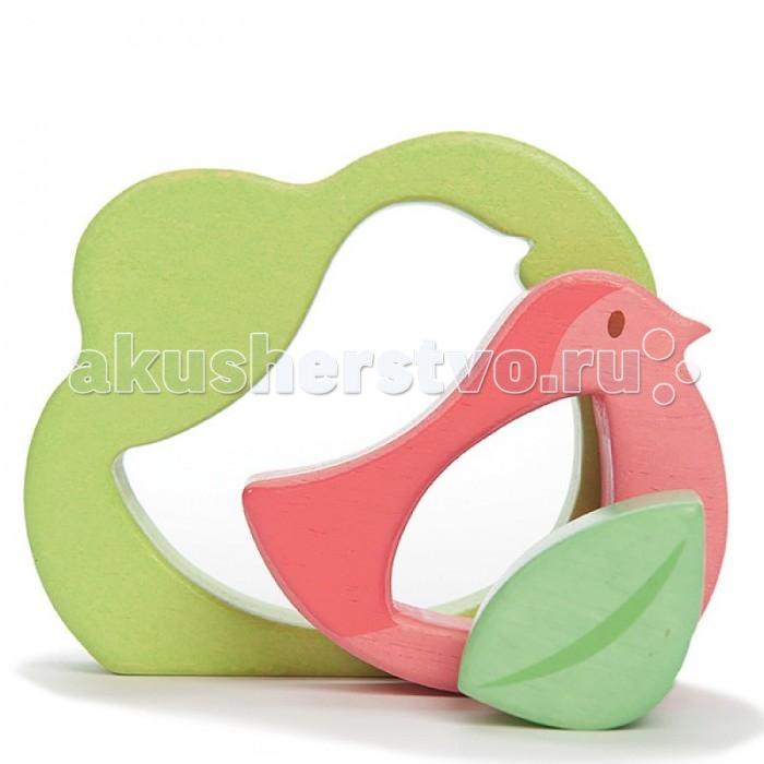 Деревянная игрушка LeToyVan Пазл для малышей Птичка с листочкомПазл для малышей Птичка с листочкомПазл для малышей Птичка с листочком - деревянная игрушка-головоломка для самых маленьких.   Пазл состоит из 3 фигурных элементов, которые не только вкладываются друг в друга, но и устойчиво стоят на столе.   Размер игрушки 9,5х11,5х2,5 см.  Все элементы выполнены из дерева 3 фигурных элемента, которые можно вкладывать друг в друга или расставить на столе.<br>