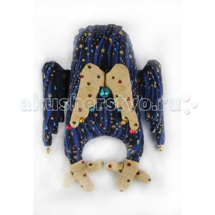 Перловка Набор выкроек Сова-АнгелНабор выкроек Сова-АнгелИсстари в самодельную игрушку вкладывали определенное значение и особенно ценили. Наши куклы поднимают настроение, украшают интерьер и могут нести в себе глубокий смысл. Это и оберег, и талисман, и символ чувства или эмоции мастера Кукла, сделанная своими руками - лучший подарок и собственным детям, и своим друзьям! Дополнительно вам понадобится синтепон или синтепух.Серия «Ангелы» отличается более сложными образами, дополненными разнообразными металлическими аксессуарами, такими как бубенчики, рыбки, часики, колокольчики, ажурные глаза, подковки.  В состав набора входит: натуральный плотный хлопок пр-во США, нитки для вышивания и декорирования, бубуенчики, металлические аксессуары, бисер (в зависимости от комплектации персонажа), листы с выкройками персонажа, подробная инструкция по изготовлению куклы.  Дополнительно понадобится 50-150 г. перловой крупы, синтепон или синтепух.<br>