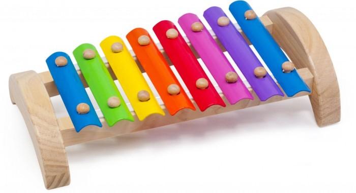 Музыкальная игрушка МДИ Ксилофон 8 тоновКсилофон 8 тоновДеревянная игрушка МДИ Ксилофон 8 тонов Д379   Ксилофон - ударный музыкальный инструмент, состоящий из набора находящихся на подставке пластинок, по которым ударяют палочками. Ударяя по разным пластинкам деревянными палочками, ребенок извлекает разные звуки, учится сочетать их, складывает в ритмы и мелодии. Этот ксилофон металлический, у него разноцветные пластинки. Цвета пластинок закономерно повторяются, одинаковые ноты раскрашены в одинаковые цвета. Игра на ксилофоне способствует развитию у детей мелодического слуха, ритма и музыкальной памяти. Ребенок с Вашей помощью быстро освоит названия цветов, расширит свой словарный запас.<br>