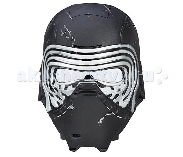 Star Wars Hasbro Электронная маска главного Злодея Звездных войнHasbro Электронная маска главного Злодея Звездных войнЭлектронная маска Star Wars главного Злодея Звездных войн - отличный подарок для каждого юного поклонника этой потрясающей космической саги.   Кайло Рен, воспитанный одним из величайших джедаев галактики, легендарным Люком Скайуокером, отрекся от своих родителей и перешел на Темную сторону силы, чтобы стать таким же могущественным злодеем как его знаменитый предок – Дарт Вейдер.   Как и Темный Лорд, Кайло Рен носит черную маску, которая придает ему таинственный и загадочный вид, а также изменяет голос. С электронной маской Star Wars B8032 Звездные Войны Электронная маска главного Злодея Звездных войн Вы можете полностью преобразится в этого персонажа и изменить голос до неузнаваемости!   На маске Вы можете увидеть повреждения и царапины, соответствующие сюжету фильма. В лицевую часть шлема встроен электронный модуль, преобразующий голос и интонацию одевшего её человека. Батарейки входят в комплект. Маска может быть подогнана по размеру головы благодаря регулируемым ремешкам.<br>
