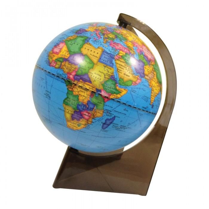 Глобусный мир Глобус политический 21 см на треугольной подставкеГлобус политический 21 см на треугольной подставкеГлобусный мир Глобус политический 21 см на треугольной подставке.  Политический глобус предназначен для изучения политической карты мира. На политической карте мира отображены страны мира и их взаимное расположение. Такая карта - ключ к пониманию мировой политики. Школьникам, которые готовят себя к карьере дипломата, политика, журналиста-международника без такого глобуса просто не обойтись. Компактен и нагляден. Диаметр глобуса - 210 мм.<br>