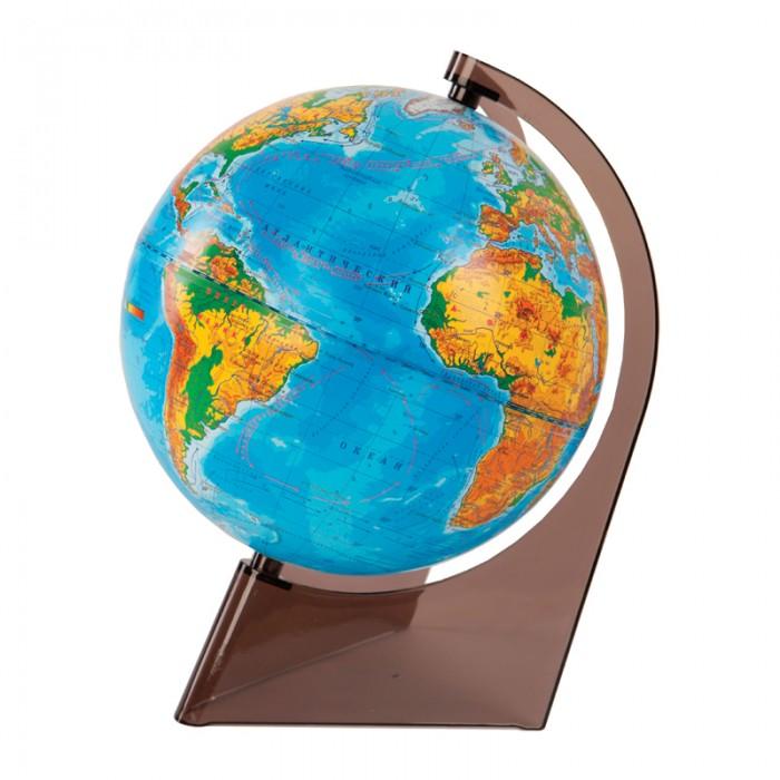 Глобусный мир Глобус физический 21 см на треугольной подставкеГлобус физический 21 см на треугольной подставкеГлобусный мир Глобус физический 21 см на треугольной подставке.  Глобус с физической картой мира наглядно демонстрирует ребенку, как выглядит наша Земля. На его поверхности цветом обозначены горы, равнины, пустыни и разная глубина океанов. Благодаря компактному размеру глобуса, диаметр 21 см вы можете установить его в любом месте – и даже взять с собой.  Глобус сопровождает ребенка при подготовке к урокам географии, а также позволяет устроить увлекательную игру на знакомство с нашей планетой. Внимательно рассмотрите поверхность и найдите самые высокие горы или самую обширную пустыню. С помощью цветовой шкалы из нижней части определите примерную высоту горной цепи и глубину морей. Информация, полученная таким опытным путем и подкрепленная визуальным восприятием, запоминается гораздо лучше текста из параграфа.<br>
