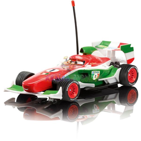 Dickie Машина ФранческоМашина ФранческоЭто герой мультфильма «Тачки», который будет любимой игрушкой Вашего ребенка, которой он будет управлять, представляя себя гонщиком на самой быстрой в мире машине.  На машинке и на пульте есть гибкие антенны с пластмассовыми наконечниками. Машинка разгоняется постепенно, и может ехать вперед-назад, вперед-влево, вперед-вправо, назад-влево, назад-вправо.  Колеса машинки, прорезиненные и довольно большие, с красной внутренней частью. Возить машинку желательно на ровной поверхности, ведь это гоночная машинка, а на гонках всегда ровные дороги.  У Francesco (Франческо) кузов красно-зелено-белого цвета, с черными деталями, на капоте цифра 1. На пульте два рычага по бокам, один управляет вправо-влево, а другой вперед-назад с дизайном в виде колес. Машинка размером 1:24.  Машинка работает на 3-х батарейках типа 1,5V LR6 (AA) Пульт управления работает на 3-х батарейках типа 1,5V LR03 (AAА) Батарейки в комплект не входят. Частота 27 МГц Размеры машинки: 19 см<br>