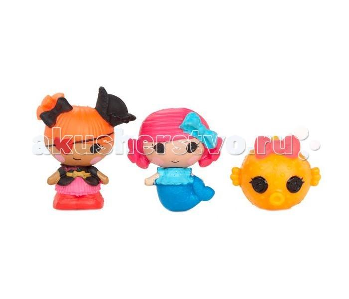 Lalaloopsy Игровой набор Малютки 3 шт.: Русалочка, Пират, РыбкаИгровой набор Малютки 3 шт.: Русалочка, Пират, РыбкаЛюбимые многими девочками куколки Лалалупси стали малютками! Серия миниатюрных куколок Lalaloopsy Tinies создана специально для девочек, которые любят минифигурки и коллекционирование.   Эти симпатичные малышки, размером около 3.5 см, ничем не уступают своим «старшим сестричкам», куклам Лалалупси других серий. Несмотря на их миниатюрность, фигурки очень детализированы, хорошо прокрашены и имеют очень милые личики.   Каждая игрушка имеет имя, характер и соответствующий им наряд. Многообразие персонажей позволяет собрать большую, яркую, неординарную коллекцию куколок малышек с глазами-пуговками.  Игрушки выполнены из высококачественного пластика, приятного на ощупь и безопасного для детского здоровья.  В набор входит три минифигурки – две малютки Лалалупси Тинс и зверюшка. Куколки совместимы с игровыми наборами серии Lalaloopsy Tinies – домиками, замками, клиникой для питомцев и другими игрушками.<br>