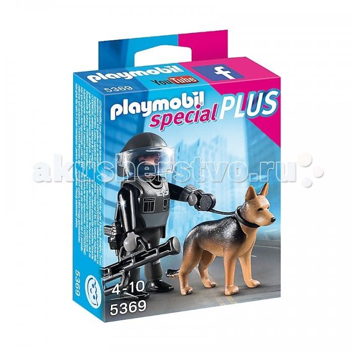 Конструктор Playmobil Экстра-набор: Полицейский спецназовец с собакойЭкстра-набор: Полицейский спецназовец с собакойPlaymobil Экстра-набор: Полицейский спецназовец с собакой.  В городе кто-то нарушил порядок? Экстра-набор Playmobil Полицейский-спецназовец с собакой помогает справиться с любой проблемой! В комплекте есть все, что нужно для обезвреживания бомбы или опасных преступников. Храбрый персонаж и его верный четвероногий друг не дадут в обиду местных жителей, а ваш ребенок обязательно проследит за тем, чтобы герой оказался в нужном месте и в нужное время.  В крупных мегаполисах всегда что-то происходит. И город Плеймобил – не исключение. Отважный спецназовец всегда готов прийти на помощь! В его распоряжении поисковая собака и необходимое оружие, которое он сможет применить, чтобы обезвредить любого преступника. Усильте в своем игрушечном городе службу правопорядка и сделайте жизнь остальных персонажей более безопасной. Всего в комплекте 7 реалистичных деталей.  Чем полезен набор Благодаря комплекту ваш ребенок развивает свое воображение и фантазию. Он придумывает интересные сюжеты с участием отважного персонажа и его мохнатого подопечного, берет с них пример отваги и моделирует различные жизненные ситуации. Постройте грандиозный мегаполис прямо у вас дома. Соберите все серии конструктора вместе и населите городские улицы яркими персонажами. Дополните свою коллекцию полицейским-спецназовцем с собакой от Playmobil!  О компании: Немецкий производитель детских игрушек Playmobil известен еще с 1929 года. До сих пор эта компания выпускает качественные и уникальные наборы, которые радуют детей по всему миру. Среди комплектов данной марки каждый ребенок находит для себя что-то особенное, ведь эти игровые наборы очень разнообразны и посвящены самым излюбленным детским темам. Из конструкторов Плеймобил легко собираются сказочные замки с живущими в них принцессами и рыцарями, уютные пляжные домики или торговые центры и многое другое. Любой ребенок выберет из всего этого 