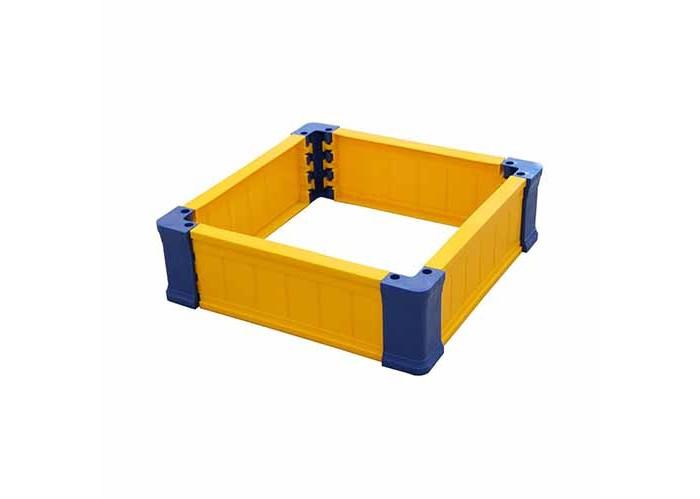 Альтернатива (Башпласт) граждение для игры с песком квадратноеграждение для игры с песком квадратноеАльтернатива Ограждение для игры с песком квадратное удобный и легкий.   Особенности: Ограждение можно установить во дворе или на даче. Оно легко собирается и переносится.  Углы ограждения широкие, можно использовать для сидения на краю.   Размер: 70х70х21 см<br>